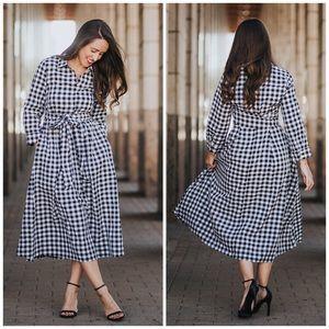 Dainty Jewells gingham midi dress with pockets!